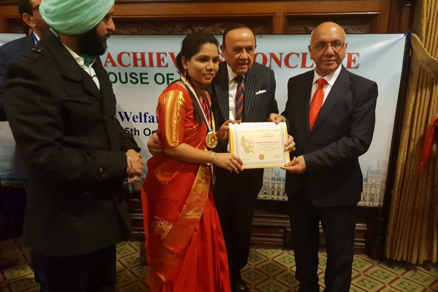 Global Achiever Mahatma Gandhi Leadership Award at House of Commons,British Parliament,London : Dr.Sneha Rakesh and H D Devegowda